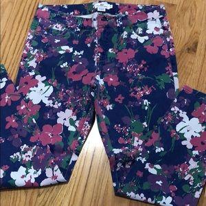 EUC Vineyard Vines floral cropped pants
